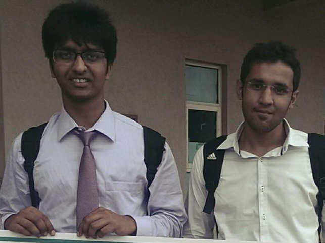(From left) Anmol Garg and Vansh Oberoi. (Photo Courtesy: Anmol Garg's Facebook page)