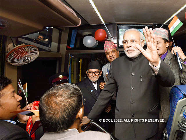 SSB security personnel takes guard of bus - PM Narendra Modi flags