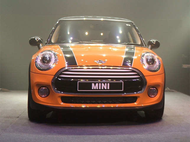 bmw 39 s mini cooper launched twice with much fanfare the economic times. Black Bedroom Furniture Sets. Home Design Ideas