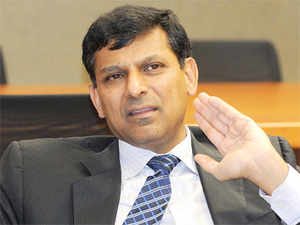 The government is comfortable with setting a 4 per cent inflation target plus/minus 2 percent beyond 2016, Rajan clarified.
