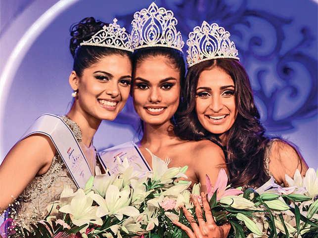 Asha Bhat (left), Noyonita Lodh (centre) and Alankrita Sahai (right) at the Yamaha Fascino Miss Diva Universe 2014.