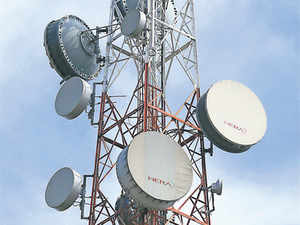 Thedefenceministry has agreed to vacate 5 MHz of 3G airwaves in the 2100 MHz band for the telecom department to auction it.