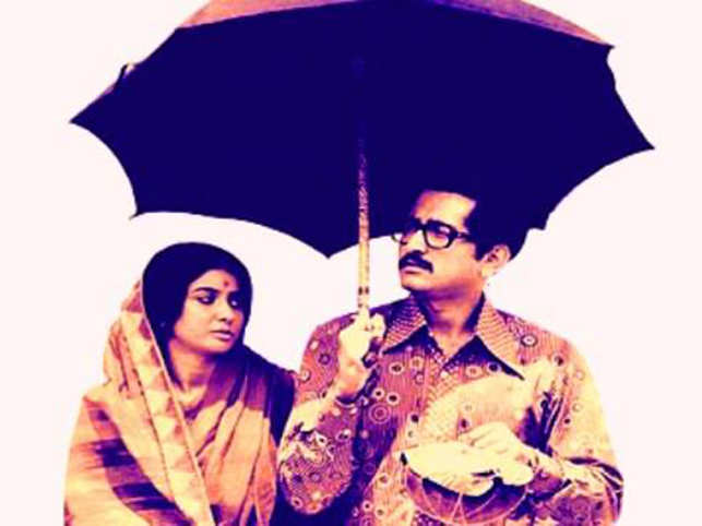 As Bengal continued to relive its glorious past, directorKaushikGangulysurprised everyone with 'ApurPanchali', which is based on the real life story of actorSubirBanerjee. (Image: Facebook/apurpanchali)