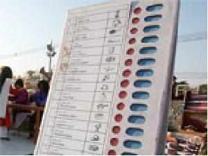 Government is set to accept the recommendations of a committee which has favoured voting for NRIs through electronic means.
