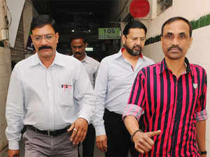 The CBI arrested TV Reddy and his brother,DeccanChronicle VCTikkavarapuVinayakRavi Reddy, Saturday following a complaint byCanaraBank.