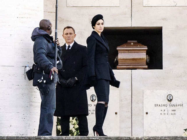 Daniel Craig, Monica Bellucci Spotted Filming 'Spectre