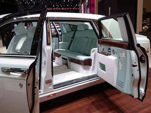 rolls royce serenity may have the most luxurious interior rolls royce serenity may have the. Black Bedroom Furniture Sets. Home Design Ideas