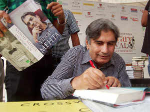 The founder-Editor of 'Outlook' magazine breathed his last at All India Institute of Medical Sciences (AIIMS) where he was admitted.