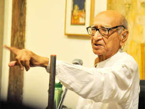 90--year-old Desai, son of Mahatma Gandhi's diarist Mahadev Desai, is survived by daughter Sanghmitra and sons Nachiketa and Aflatoon.