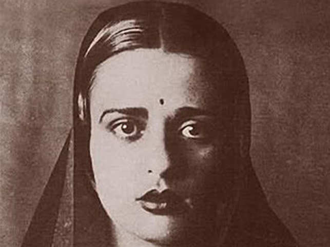 A rare self-portrait byAmritaSher-Gilhas sold for $2.92 million inSotheby'sNew York auction, setting a new record for an Indian woman artist.