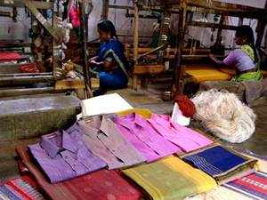 WTO member countries including US, Turkey and Japan, have asked India to phase out export subsidies on textiles and apparel sectors, Parliament was informed.