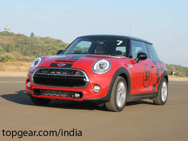 Just like in the diesel versions, the Cooper S, too, gets three drive modes — Green, Mid and Sport — which can be selected from a sliding collar under the gearshift.