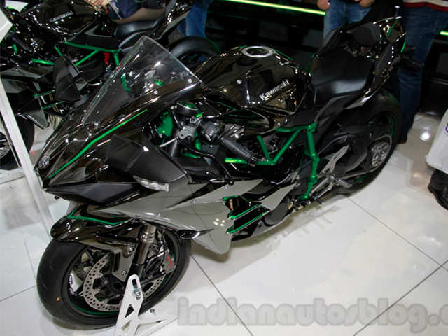 The Ninja H2 Is Shod With 12070 Tyres Kawasaki Ninja H2 Launched