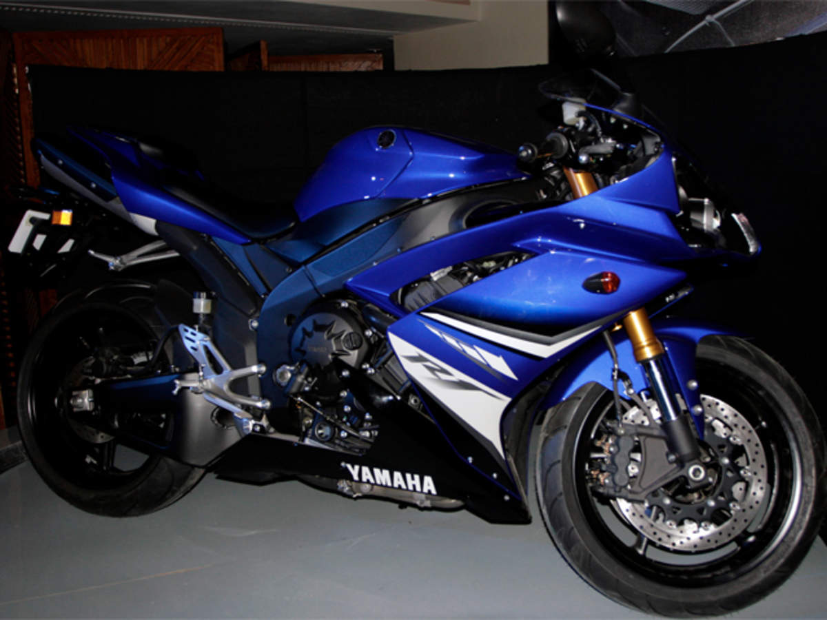 Yamaha launches YZF-R1M in India priced at Rs 29 43 lakh