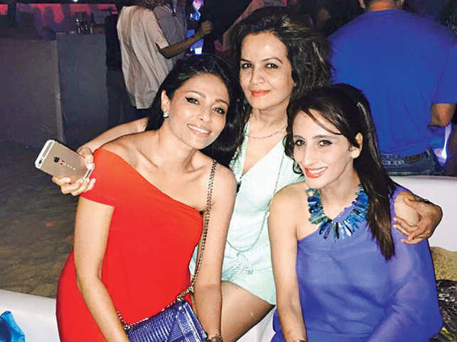 A large chunk of Bollywood flew to Goa for the launch of a hotel this week. Yet all eyes were on Farah Ali Khan and Dior's Kalyani Chawla.