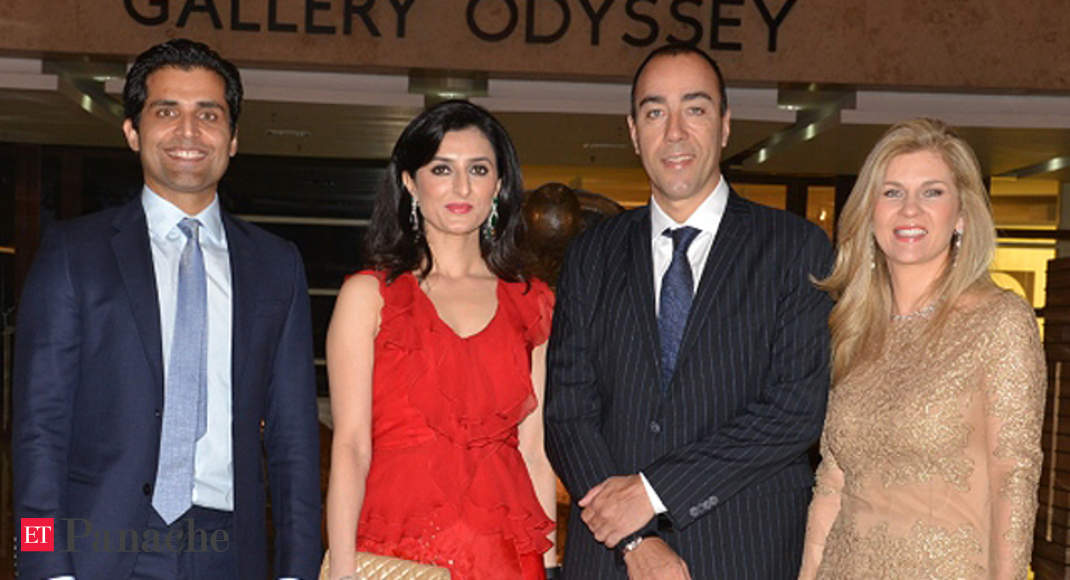 Glitzy Opening Of Divya Gehlaut S Gallery Odyssey The Economic Times Sameer is a bachelor in mechanical engineering from iit (delhi), and now lives with wife divya gehlaut and two children in mumbai. gallery odyssey
