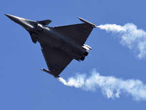 """French Defence Minister will hold talks with Manohar Parrikar to """"launch negotiations"""" for the 36 Rafale fighter jets."""