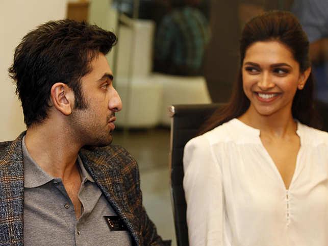 Ayan Mukherjee dating
