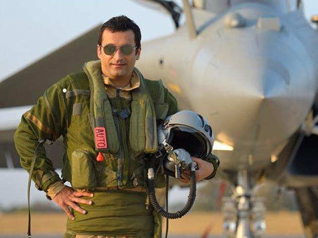 Vikas Oberoi, real estate magnate and aviation enthusiast, shares what it was like to fly the French fighter jet Rafale, in a once in-a-lifetime opportunity.