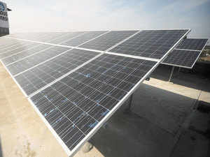 Chinese solar products maker JA Solar Holdings has signed an agreement with Essel Infraprojects to set up a 500mw solar cell and module manufacturing facility in India.