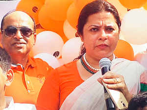 BJP MP Meenakshi lekhi said that AIIMS should come somewhere at the centre of Jammu and Kashmir, the place which is accessible and acceptable to all the three regions of the state (including Ladakh).