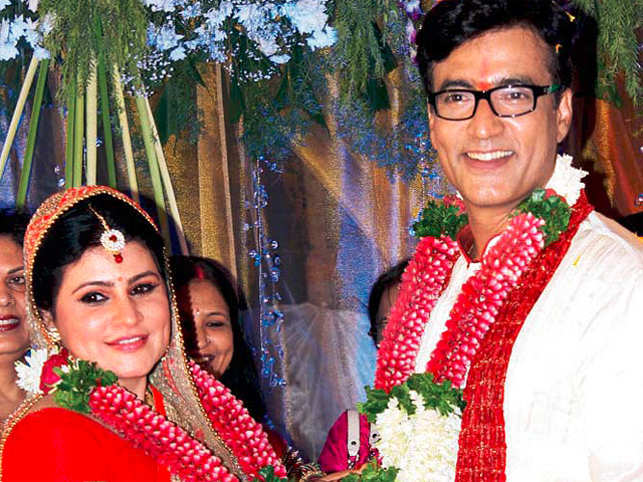 Actor Narendra Jha tied the knot with the former CBFC CEO Pankaja Thakur in a quiet ceremony on May 11 near Nashik in Maharashtra.