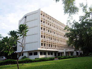 IIT-Madras called an emergency meeting of its BoS to discuss the derecognition of student group APSC, which is insisting on rollback of the action and an apology.