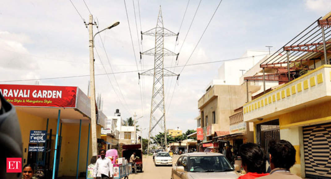 High-tension line in middle of road poses grave threat to
