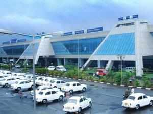 An ugly fight broke out at the Kozhikode airport late Wednesday leading to the death of a CISF official and diversion of all flights.