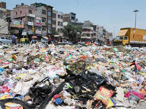 HC today issued a notice to the Centre, Delhi government and EastMCDon pleas seeking removal of garbage and payment of salaries to the civic body staff.