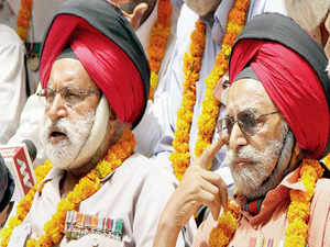 Organisations representing ex-servicemen began a relay hunger strike on Monday to press for implementation of 'One Rank One Pension' (OROP) scheme.