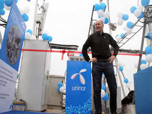 zappos faces competitive challenges Tony hsieh, who lives in a trailer and has chickens and an alpaca for neighbors,  is revolutionizing corporate life.