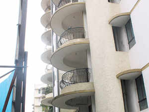 Multinational companies are willing to rent bungalows and houses in gated communities for rent ranging between 1 lakh and 4 lakh for their higher officials,