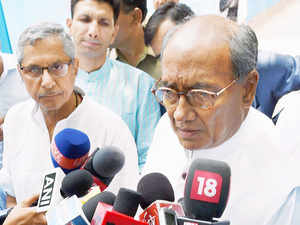 Congress General SecretaryDigvijaySingh todayalleged thatPrime MinisterNarendraModiwas helping the formerIPLchief in ED cases against him.