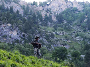 In continued ceasefire violations, Pakistani troops resorted to firing and mortar shelling targeting six BoPs along Indo-Pak border in Jammu.