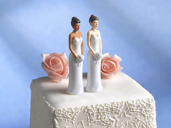 gay couple denied wedding cake in us to get 135 000 for denied wedding cake 14656