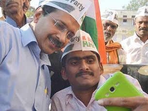 When a selfie is not enough: India abuzz over 'velfie' craze
