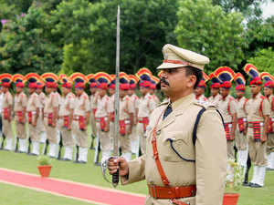 File photo: Guard of honour by Haryana Police as Kaptan Singh Solanki takes oath as Haryana Governor July 27, 2014.