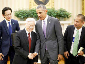oval office july 2015. us president barack obama 2nd r shakes hands with vietnamu0027s communist party general secretary oval office july 2015