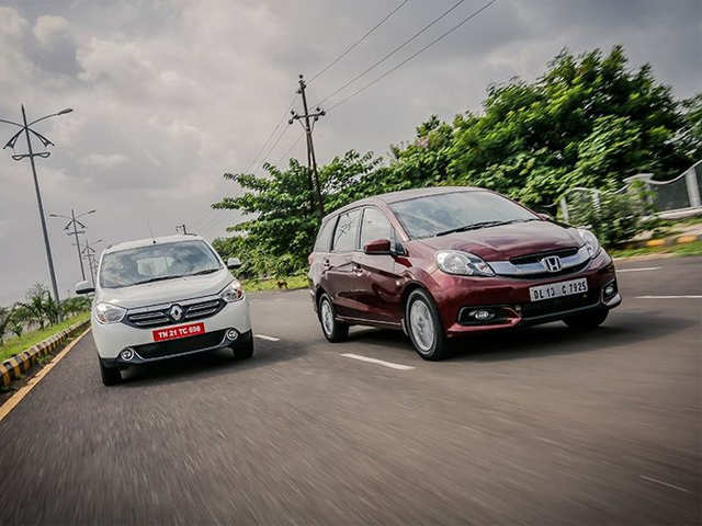Features And Equipment Renault Lodgy Vs Honda Mobilio Comparison