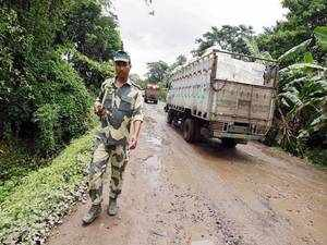 The BSF troops today foiled an exfiltration bid and arrested five Bangladeshi Nationals near Indo-Pak border in Jammu district.
