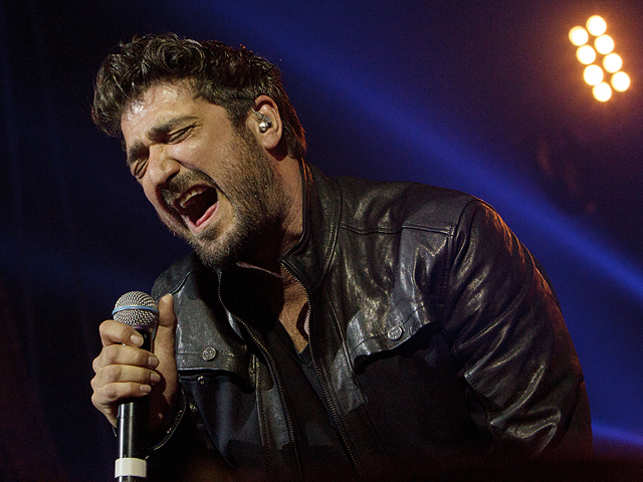 Singer AntonioOrozco- famous throughout Spain and Latin America - played a very intimate gig last week for 380 embryos currently gestating in theInstitutMarques in Barcelona.
