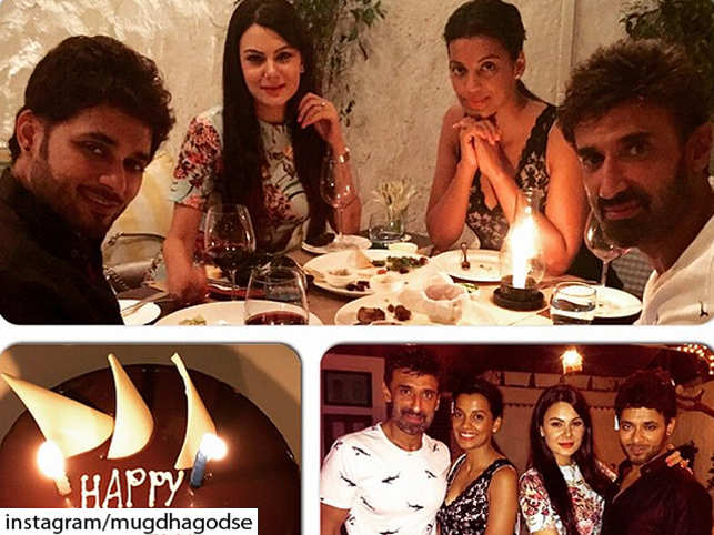 Shaadi.com's founder Anupam Mittal celebrated his second wedding anniversary with model Aanchal Kumar. The were joined by Rahul Dev and Mugdha Godse.