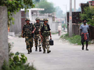 Representational pic: BSF soldiers patrol at Garkhal village, 30 kilometers (19 miles) from Jammu, July 15, 2015.