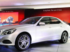 Luxury carmakers are offering freebies and steep discounts that shave off more than Rs 5 lakh from the price of popular models such as the BMW 5 Series, Audi A3 and the Mercedes Benz E-Class.
