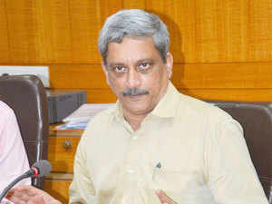 Thedefenceministry-appointed panel has suggested that foreign entities dealing in thedefencesector should declare all agents.