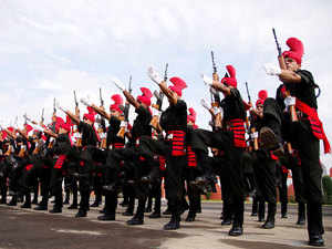 File photo: Newly graduated soldiers of the Indian Army's J&K Light Infantry Regiment in a commencement parade at a military base in Kashmir, July 11, 2015.