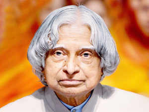 Former President A P J Abdul Kalam had congratulated a constable for remaining alert throughout the day, minutes before he collapsed at the Indian Institute of Management and died here last night.