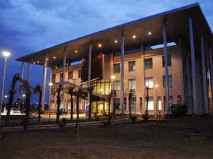 Indian School of Business (ISB) today said that Rajendra Srivastava has been named as its new dean, with effect from January 1, 2016.