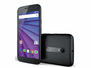 As usual with Moto phones, the Moto G runs the latest Android 5.1.1 and will be amongst the first device to get any Android updates.